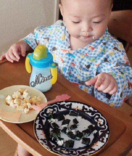 Cách tập cho bé ăn cơm được từ 1 tuổi