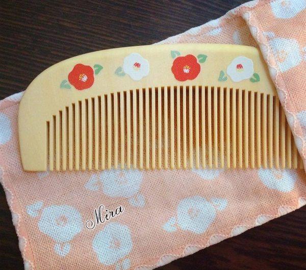 Cách dưỡng tóc của người Nhật bằng dầu hoa trà Tsubaki và lược gỗ Tsuge
