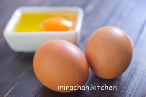 cho trẻ ăn trứng gà