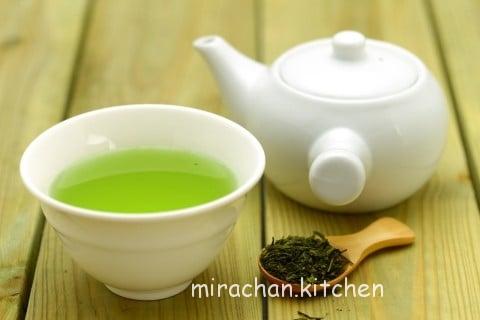 mang thai có nên uống trà xanh