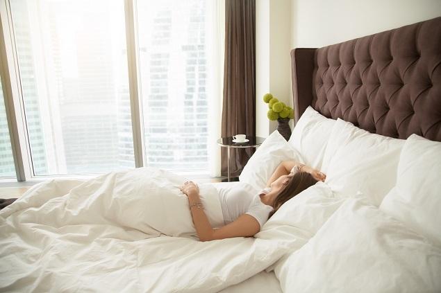 giấc ngủ tốt giúp ngừa mụn