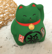 Mèo Maneki Neko bụng phệ cầu sức khỏe