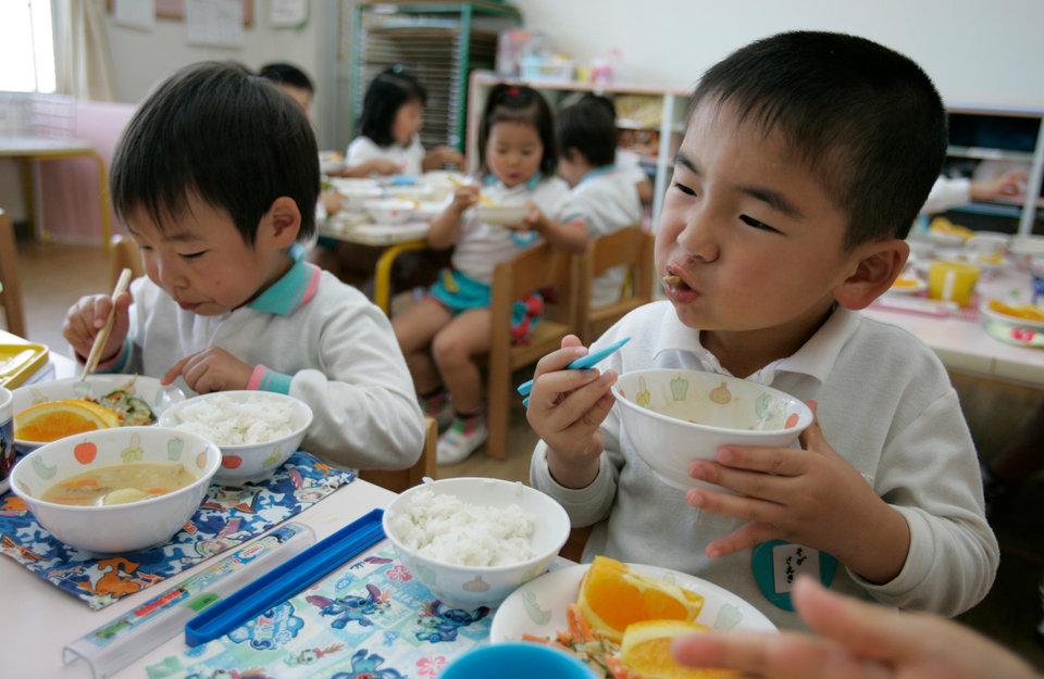 bữa trưa ở trường