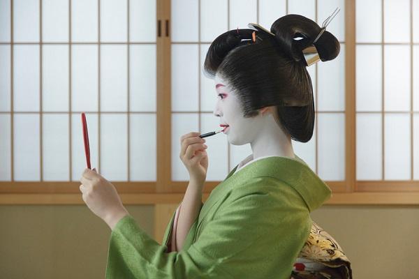 Mỹ phẩm cho da nhạy cảm của Nhật