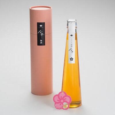Rượu mơ chứa lá vàng Hakuichi